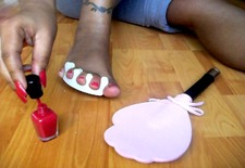 Painting Toe Nails Black Woman